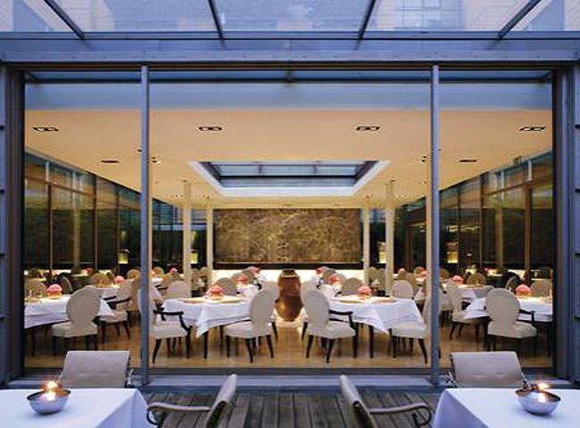The mandala hotel potsdamer platz for Designhotel potsdam